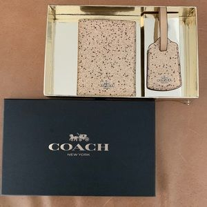 New Coach passport and luggage tag
